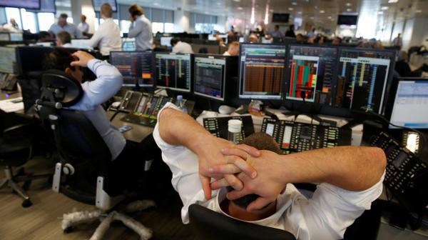 Los mercados abrieron en baja por la salida de Reino Unido de la UE (Reuters)