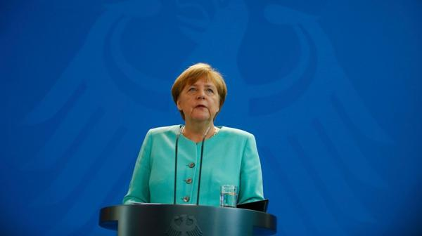 Tambalea la Unión Europea ?op=resize&url=https%3a%2f%2fs3.amazonaws.com%2farc-wordpress-client-uploads%2finfobae-wp%2fwp-content%2fuploads%2f2016%2f06%2f24075648%2fMerkel-conferencia-Alemania-UE-1920-3-1024x575