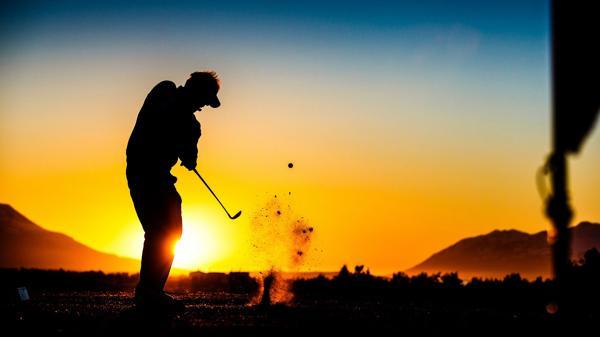 El abierto de golf de Akureyri se disputa, con sol, durante toda la noche