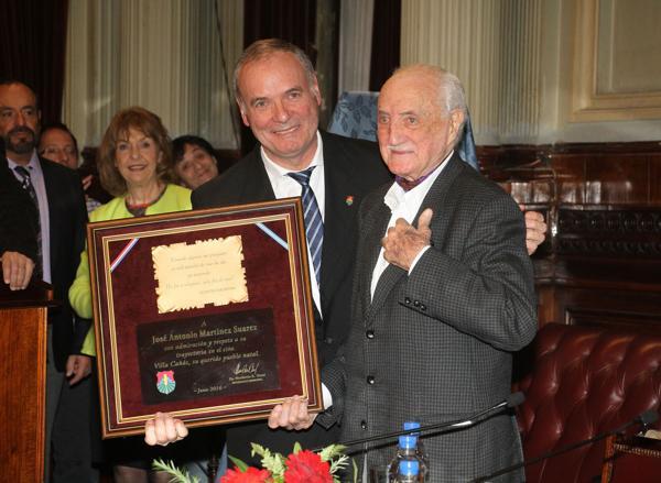 El hermano de Mirtha Legrand recibió el premio Senador Domingo Faustino Sarmiento (Verónica Guerman / Teleshow)