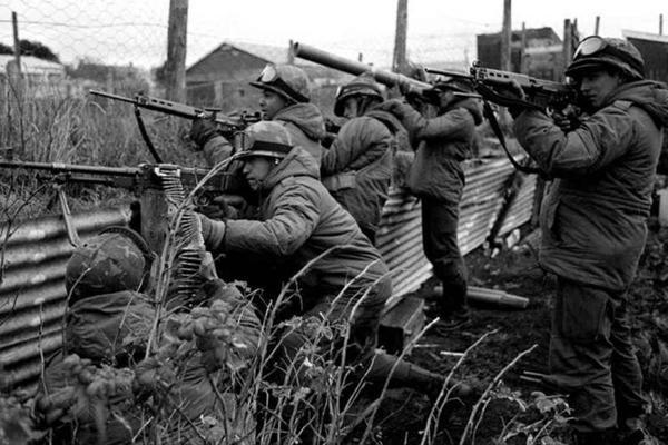 Los veteranos participarán del desfile militar (Télam)