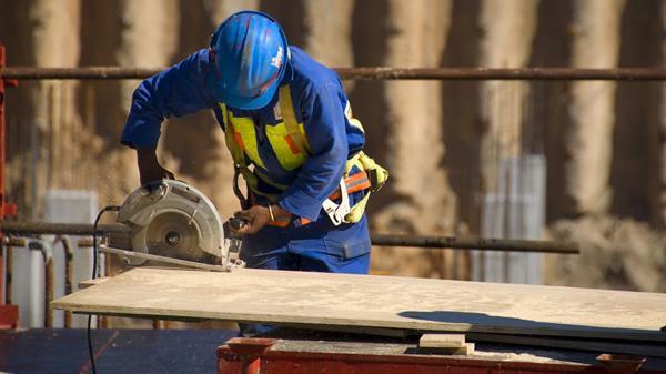 El ingreso promedio de los trabajadores registrados ascendió en abril a 17.325 pesos (Shutterstock)