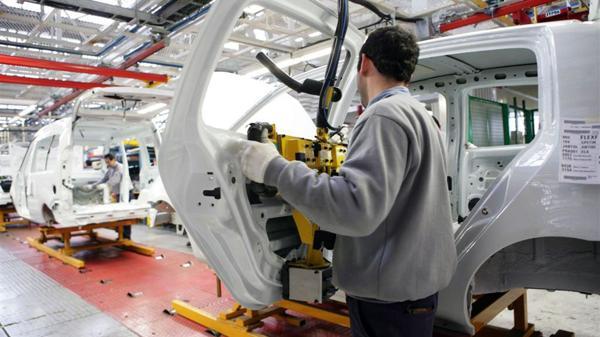 Para Dujovne & Asociados será el consumo y la inversióny no la industria el motor de la economía en 2017