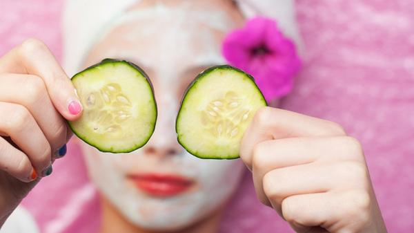 Las mascarillas de pepino, un clásico para el cuidado de la piel (Shuttersotck)