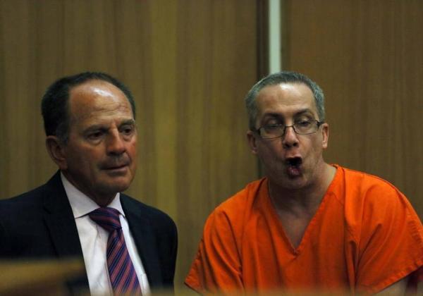 Adonis Losada se dirige al juez que lo condenó a 153 años de prisión (Gentileza deMiami Herald)