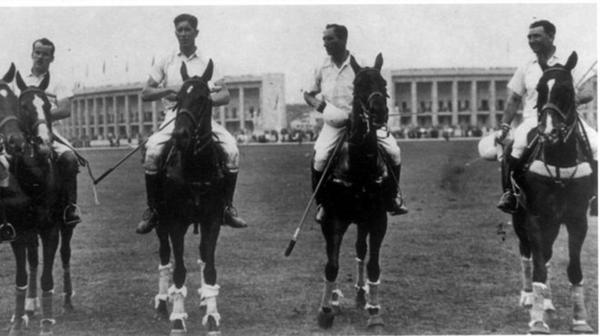 1924: El equipo argentino de Polo obtiene la primera medalla de oro olímpica en los Juegos de París. Cuatro años más tarde repetirán el logro en los Juegos Olímpicos de Ámsterdam 1928