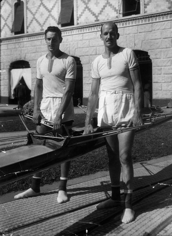 1952: Los remeros Tranquilo Capozzo y Eduardo Guerrero obtienen el oro en los Juegos de Helsinski