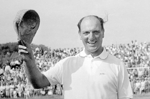 1967: Roberto De Vicenzo se consagra campeón del Abierto Británico de golf. El golfista nacido en Buenos Aires ingresó en la historia grande del deporte argentino