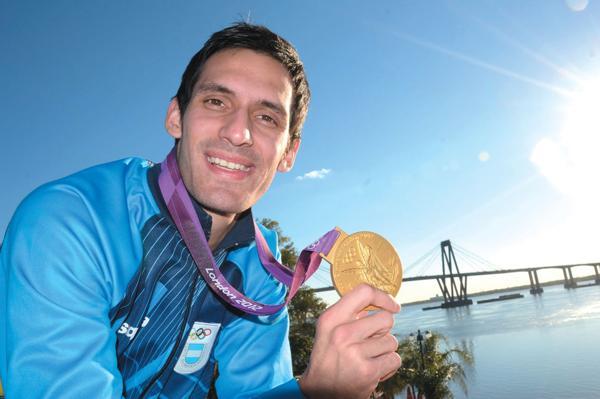 2012: El correntino Sebastián Crismanich le ganó al español Nicolás García Hemme y se quedó con la medalla de oro de taekwondo, en la categoría hasta 80 kilos, en los Juegos Olímpicos de Londres