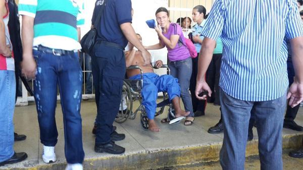 Además del oficial muerto, al menos 25 policías resultaron heridos