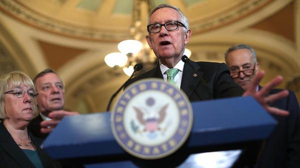 El senador (Dem) Harry Reid presentó un proyecto que aumenta las sanciones y condiciona los aportes de EEUU a que los países muestren avances en la lucha contra el crimen organizado (AFP)