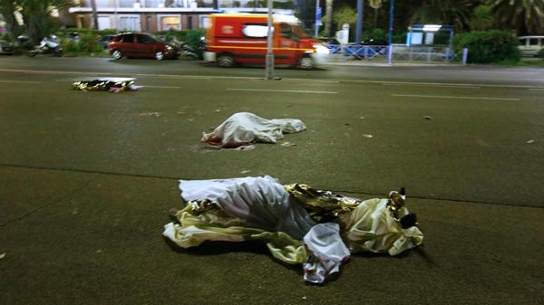 En Niza, murieron otras 84 personas este jueves (Reuters)