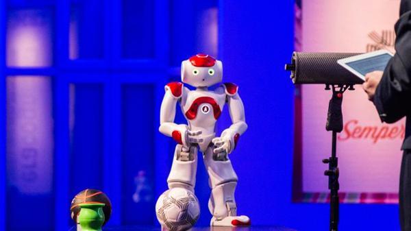 Inteligencia Artificial / Robótica - Página 3 ?op=resize&url=https%3a%2f%2fs3.amazonaws.com%2farc-wordpress-client-uploads%2finfobae-wp%2fwp-content%2fuploads%2f2016%2f07%2f21004059%2fgardel1