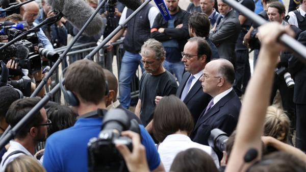 El presidente de Francia confirmó que los atacantes se reivindicaron del Estado Islámico (AFP)