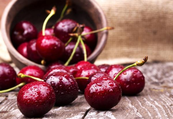 Una porción de cerezas aporta unas 87 calorías y 3 gramos de fibra