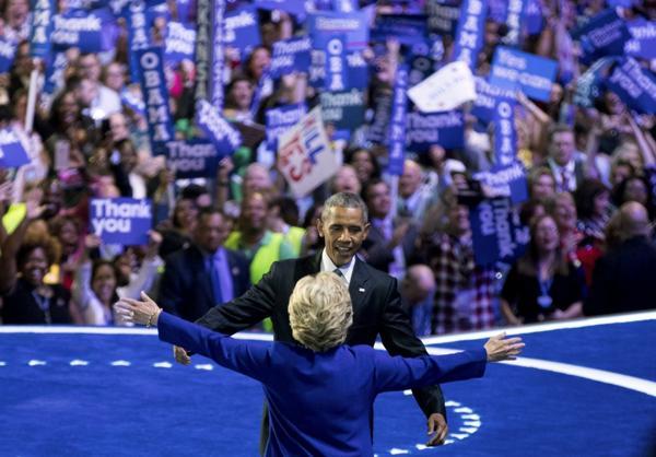 Barack Obama está haciendo campaña a favor de Hillary Clinton y volverá el jueves a Florida, su tercera visita en 15 días (AP)
