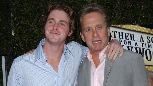 Cameron Douglas es el hijo del actor y de su primera esposa, Diandra Luker (Grosby)