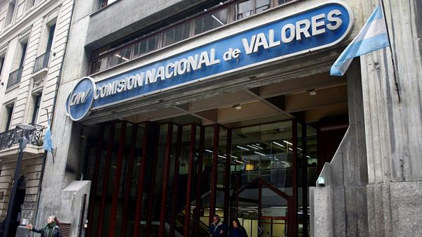 Frente de la Comisión Nacional de Valores (CNV) (Foto Reuters)