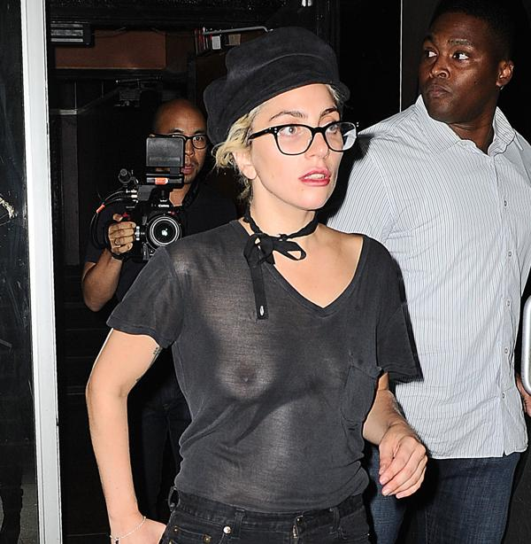 Lady Gaga paseando por Nueva York (Grosby Group)