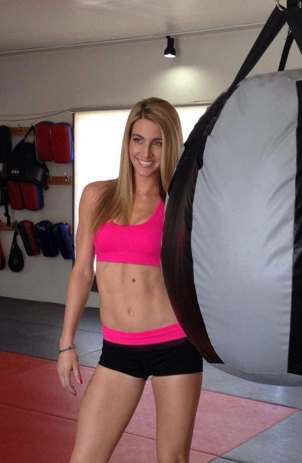 Mikaela Mayer, boxeadora y modelo estadounidense