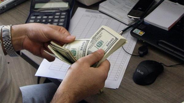 El dólar cerró ayer martes a 15,78 pesos