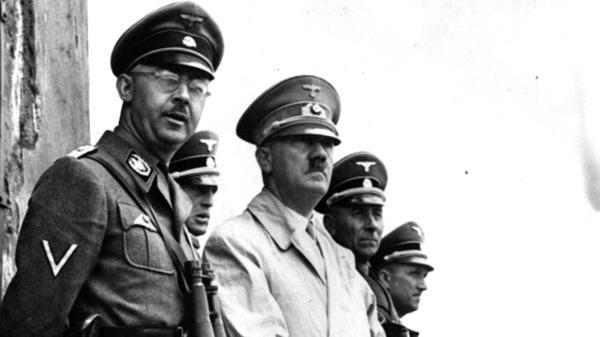 Heinrich Himmler y Adolf Hitler