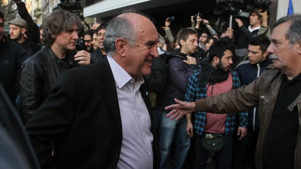 El último jefe de los espías de Cristina Elisabet Kirchner, Oscar Parrilli, fue uno de los oradores del acto que se hizo en la puerta de Madres de la Plaza de Mayo.