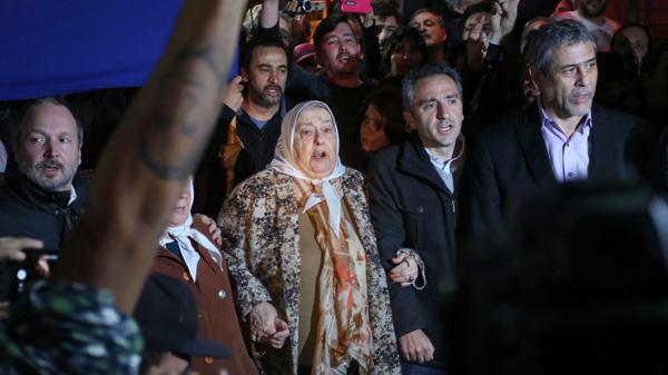 Sabbatella, Hebe de Bonafini, Larroque y el intendente de Avellaneda, Jorge Ferraresi, en el acto en la Plaza de los Dos Congresos
