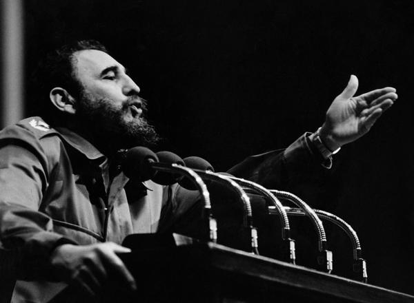 Castro durante uno de sus interminables discursos