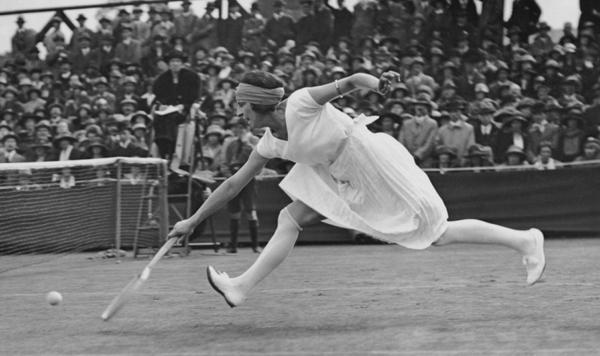 """La tenista francesa con un corte de pelo """"bob cut"""" y el uniforme que escandalizó a la década del 20"""