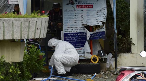 La jornada del viernes arrojó dos muertos y ocho heridos, todos ellos de nacionalidad tailandesa (AFP)