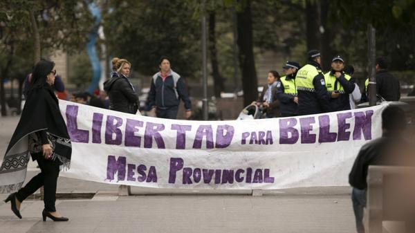 Manifestación en apoyo frente a la Secretaría de Estado de Gobierno y Justicia de Tucumán (Julio Pantoja)