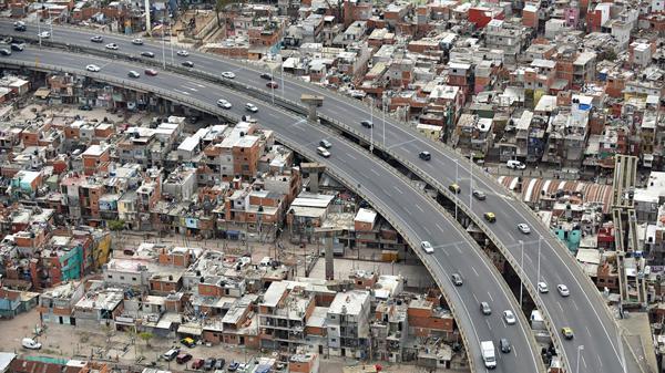 Según la UCA, 3 de cada 10 argentinos son pobres (Adrian Escandar)