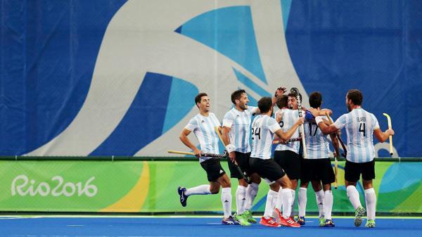 El equipo argentino ganó 4 a 3 en una final marcada por la emoción y el sufrimiento (Reuters)