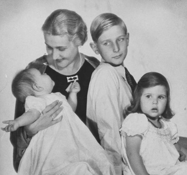 La imagen de Magda Goebbels junto a sus hijos era objeto de propaganda nazi