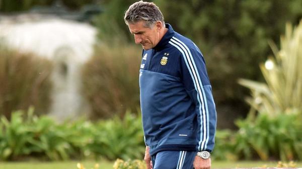 Bauza habló sobre Messi y sobre los jugadores del medio local que podrían ser convocados (DyN)