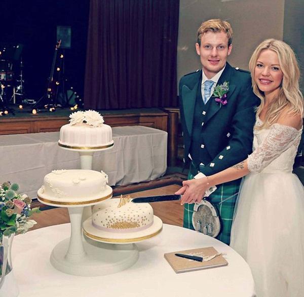 Tiempos felices. Isabelle Graham esperó hasta su noche de bodas para perder lavirginidad. Se autodefine como una devota cristiana
