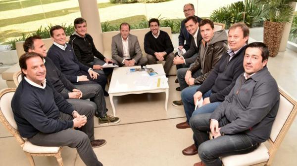 Insaurralde, Zabaleta, Katopodis, Cascallares, Sujarchuk y Nardini, algunos de los intendentes que impulsan la renovación peronista, lejos del kirchnerismo