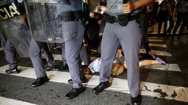 La Policía arrestó a variosmanifestantes (Reuters)
