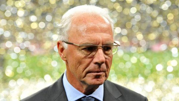 Franz Beckenbauer tiene 70 años de edad