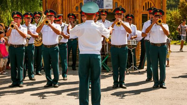 El acto de este jueves por el aniversario de la Independencia de Uzbeskistán, al que por primera vez no asistió Karimov