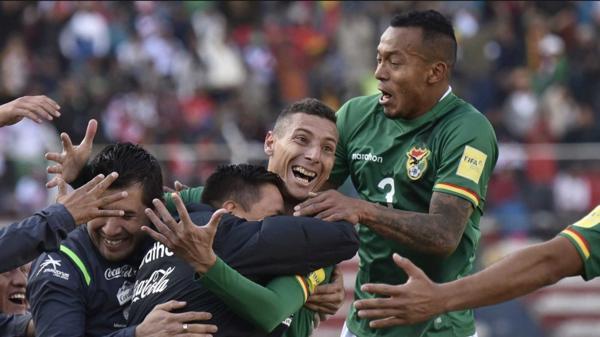 El triunfo de Bolivia sobre Venezuela podría quedar anulado por la inclusión indebida de Damián Lizio (Reuters)