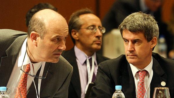 El presidente del BCRA, Federico Sturzenegger, y el ministro de Hacienda y Finanzas, Alfonso Prat Gay (Télam)