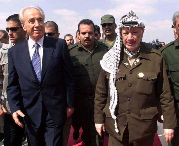 Peres recibió en 1994 el Premio Nobel de la Paz junto a Yaser Arafat