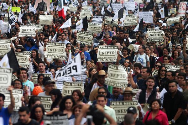 Manifestantes en el centro de México DF (Reuters)