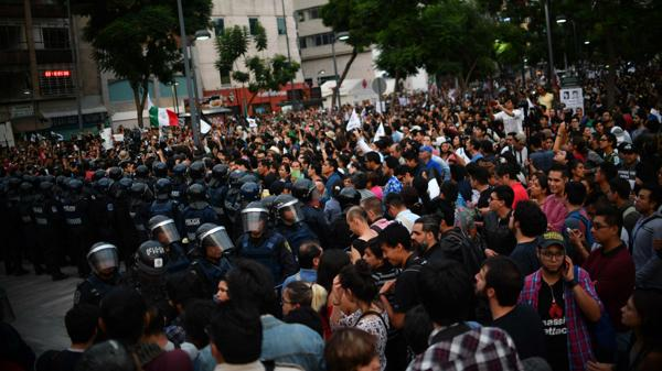 Marcha en Ciudad de México pidiendo la renuncia de Enrique Peña Nieto AFP