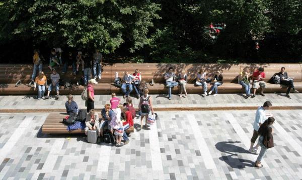 Sus proyectos se basan en la recuperación de espacios públicos para peatones y ciclistas