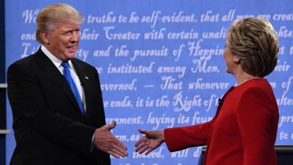 Hillary Clinton y Donald Trump, en el primer debate presidencial (AFP)