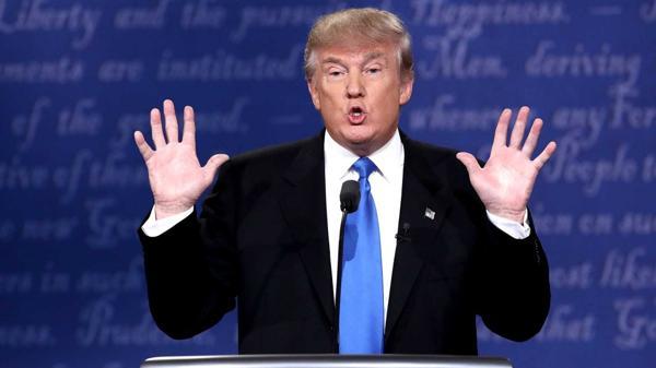 Donald Trump acusa a Hillary Clinton de haber puesto en peligro la seguridad de EEUU (AFP)