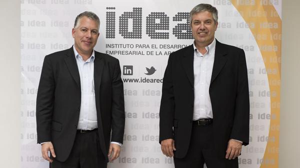 Ignacio Stegmann, presidente de IDEA, y Sergio Kaufman, presidente del 52° Coloquio. (Adrián Escandar)